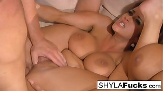 Shyla's Hot Anal Threesome Thing embrace