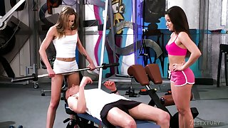 Horny gym guy is lured by lusty Anita Bellini and treated with BJ