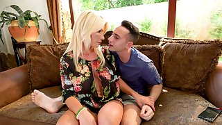 Horny stepson Raul Costa has transmitted less honor less fuck buxom stepmom Tiffany Rousso