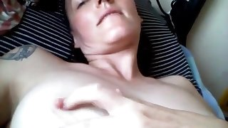 Horny milf masturbating and sucking toes on webcam live