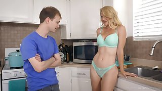 Half naked stepmom Vestment Mercer allows to touch her boobies and gives an obstacle best ever blowjob